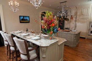 traditional-dallas-kitchen-design-with-custom-kitchen-cabinets