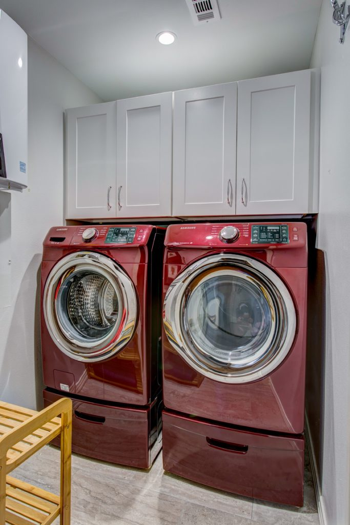 The Cabinets Are Important As They Help Keep Order In Both Small And Large Es So Don T Skimp On Cabinetry Your Laundry Room
