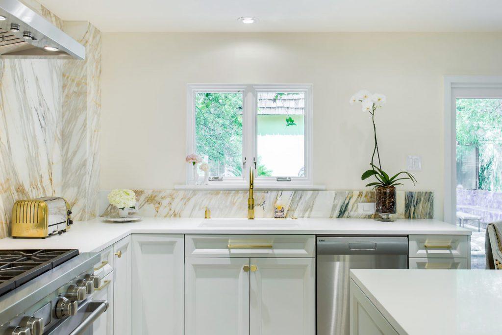 Sink Styles- Farmhouse vs. Single Bowl Undermount