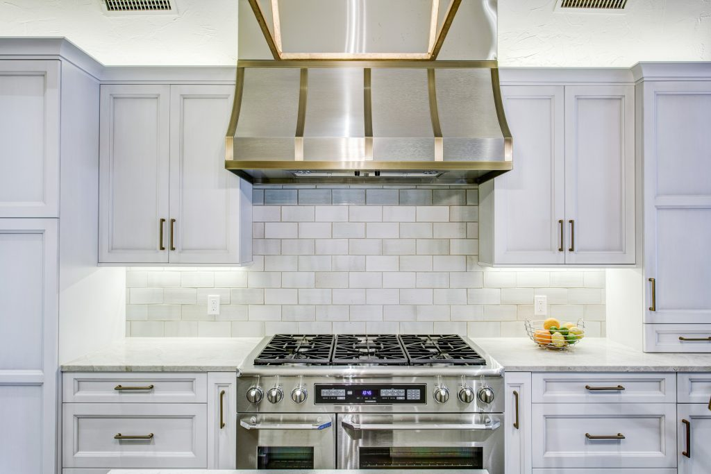 range and vent hood in transitional kitchen, dallas, kitchen design concepts